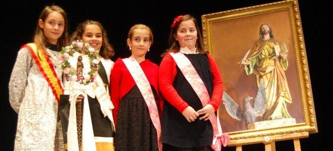 NOTICIA: Andrea Molinero, Sofía Gómez y Laura Dorado, nuevas Reina y Damas de San Juan Evangelista Img_90896